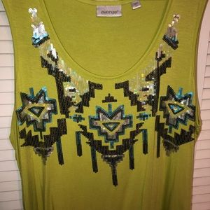 Avenue size 22/24 green top